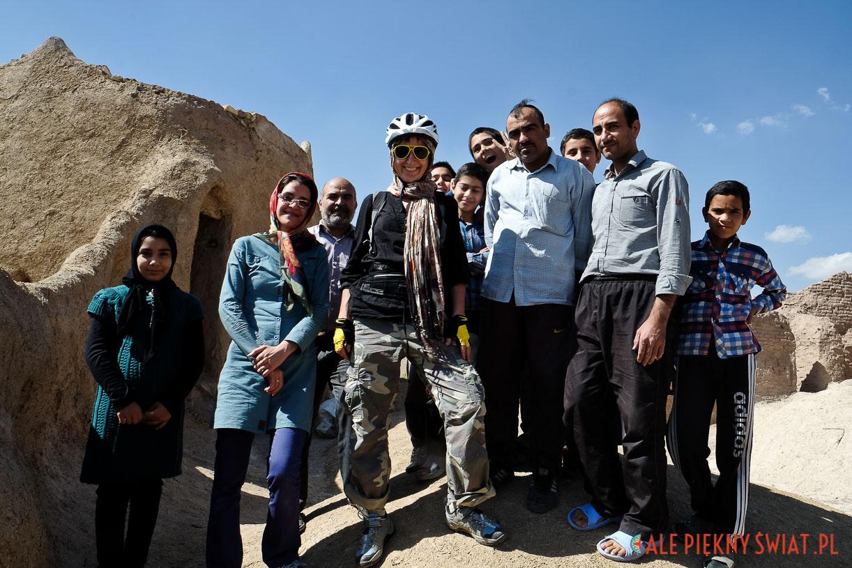 Spotkanie w irańskiej wiosce