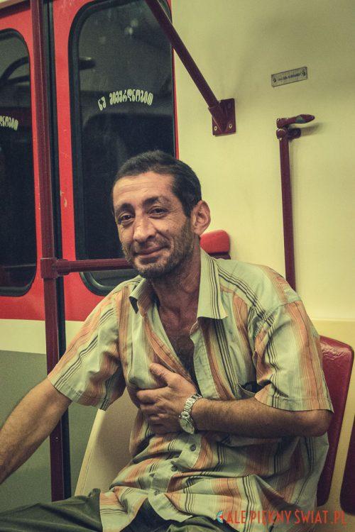 Mężczyzna z metra w Tbilisi