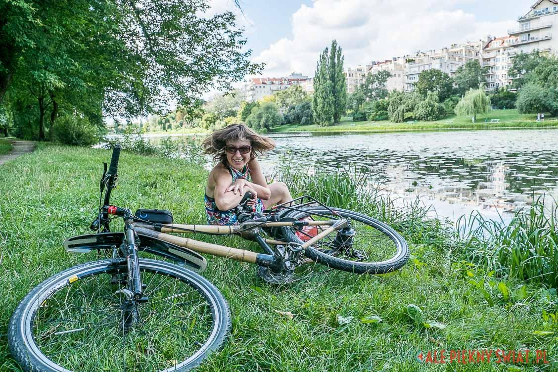Dorota chojnowska i jej bambusowy rower