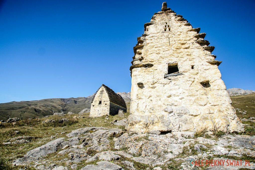 Grobowce z cmentarza w Osetii