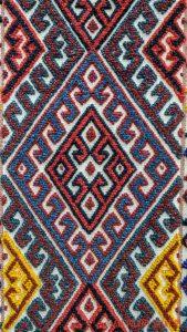 Tradycyje wzory na pasach z jurty