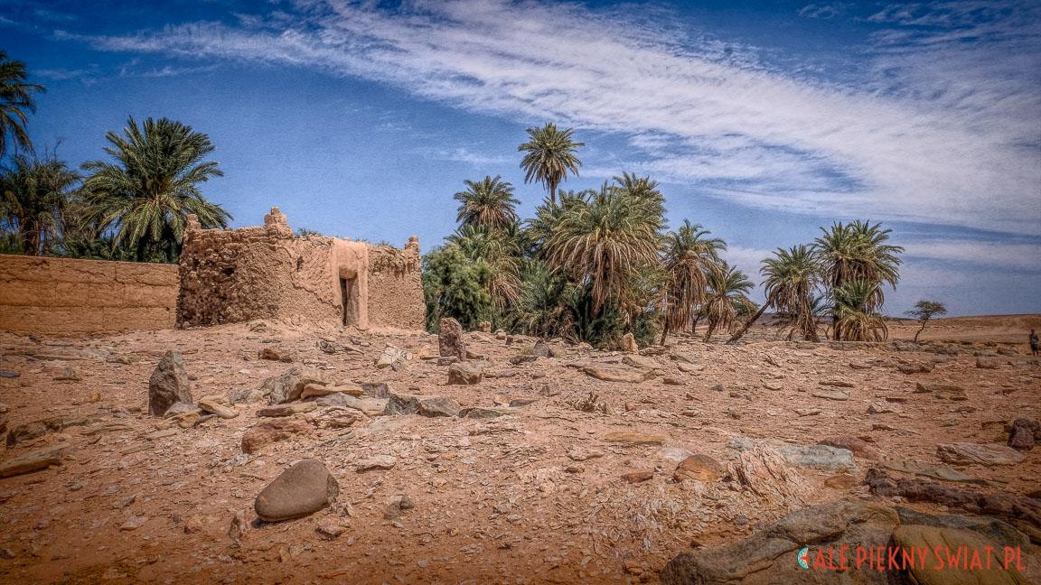 Cmentarz na pustyni w Maroku