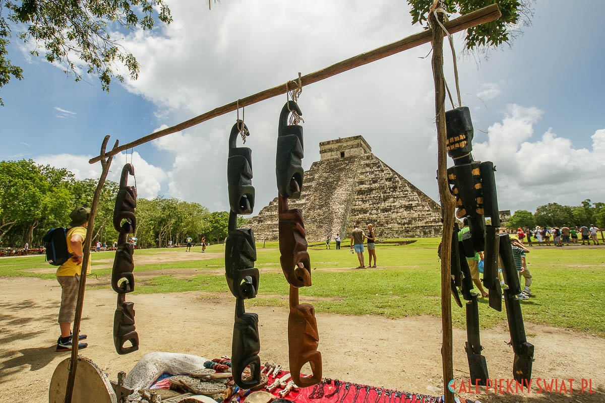 Piramida quetzalcoatla w chichen itza